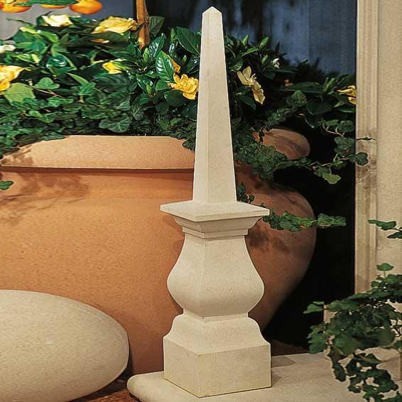 garten obelisk aus stein luxor. Black Bedroom Furniture Sets. Home Design Ideas