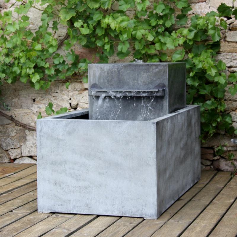 Moderner Zink Gartenbrunnen - Meditazione • Gartentraum.de