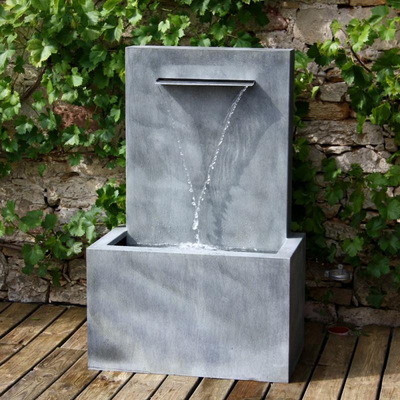 Wandbrunnen aus zink fascio - Garten wandbrunnen ...