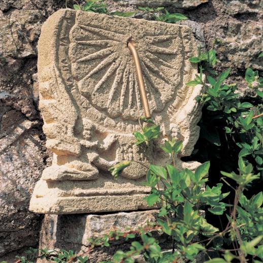 Antike stein sonnenuhr maja - Sonnenuhr garten ...