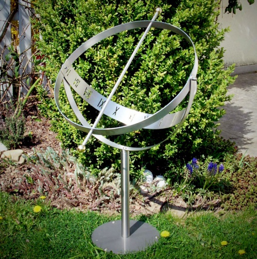 Elegante sonnenuhr aus edelstahl milenium - Gartendeko edelstahl ...