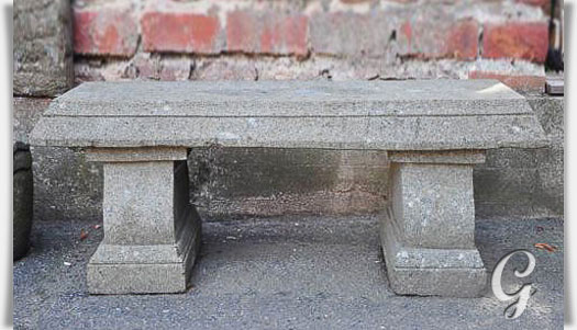 Sch ne bank aus stein unikat handbehauen - Gartenbank aus stein ...
