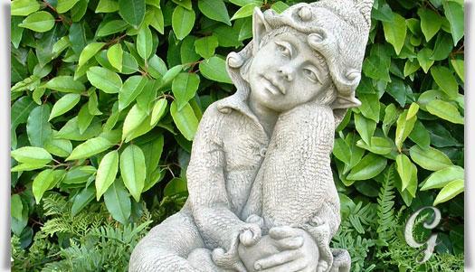 Kleine Elfenfigur Jenny Gartenfigur Aus Steinguss Gartentraumde