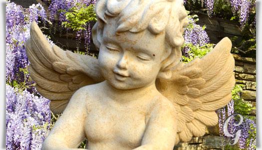 Deko engel skulptur auf kugel maximilian for Gartenfiguren stein