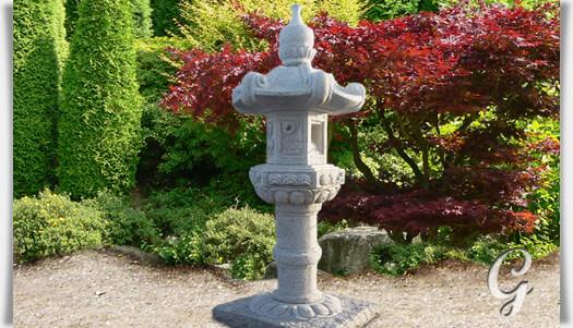 Gro e steinlampe narita for Japanische gartendekoration