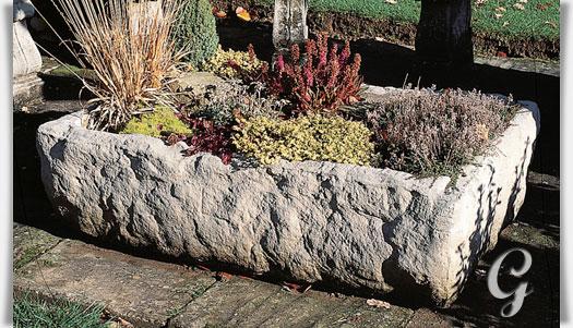 rustikaler stein trog pontarlier alpine. Black Bedroom Furniture Sets. Home Design Ideas