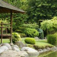 Holz-Pavillon als Ort der Ruhe © Fotolia.com