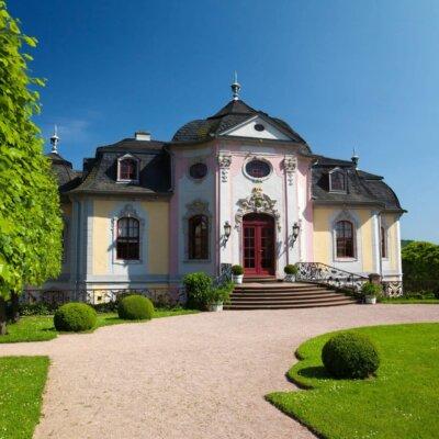 Klare Linien für die klassischen Gartengestaltung