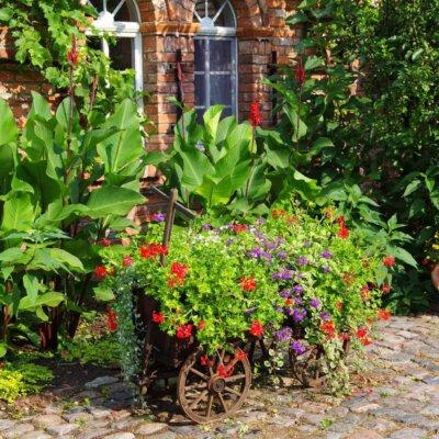 Romantische Gartengestaltung mit Vintage Accessoires