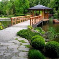 Japanischer Garten mit Pavillon © Fotolia.com