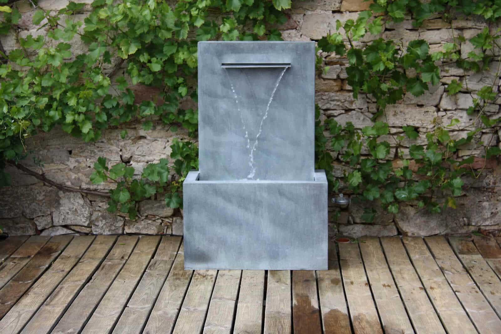 Moderne Zinkbrunnen für den Garten Tipps zum Aufbau & Brunnen im Test