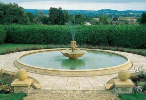 Gartenbrunnen Wasser Stein Loto Delfino bis zum 8m von Gartentraum.de