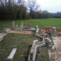 8. Schritt: Pfeiler der Ruine errichten