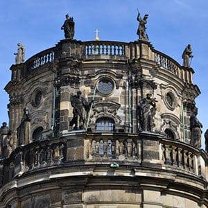 Balustrade-gekruemmt-Stein-Dresden