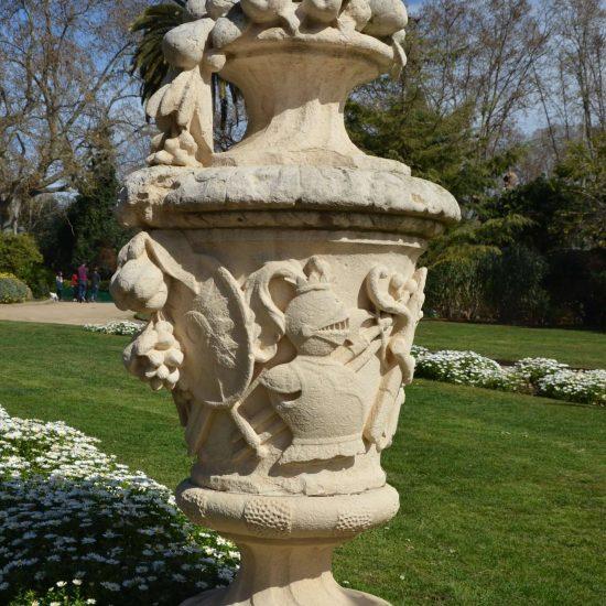 Barcelona Gartendekoration Amphore