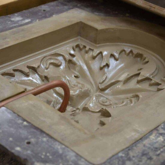 Steinguss-Relief: Gussform im Detail