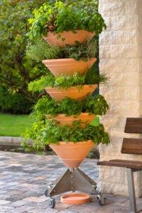 Pflanzturm für einen vertikalen Garten