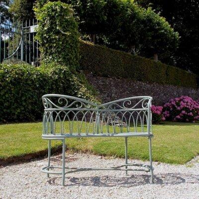 Gartenbank aus Schmiedeeisen © Gartentraum.de