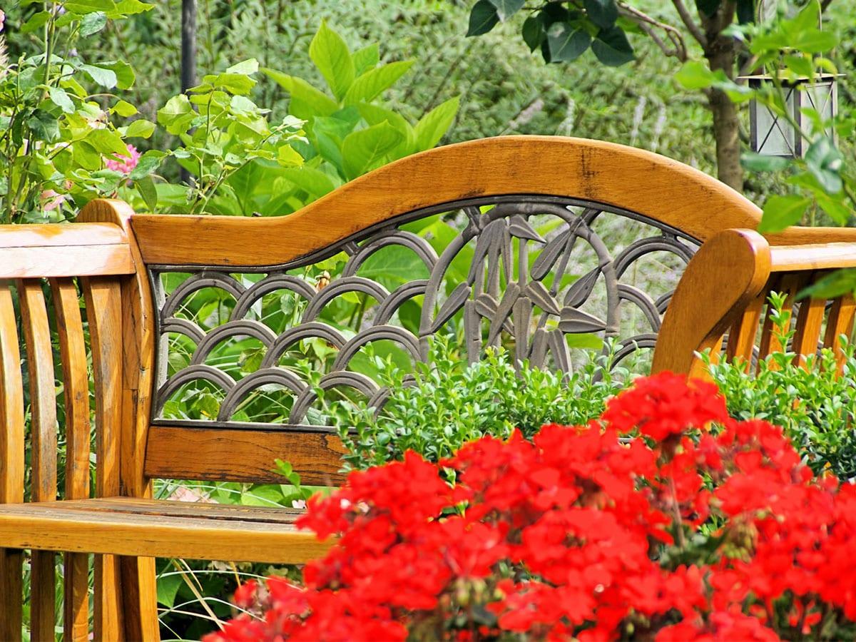 Gartenbank Ratgeber Wetterfeste Sitzgelegenheit Aus Holz Metall