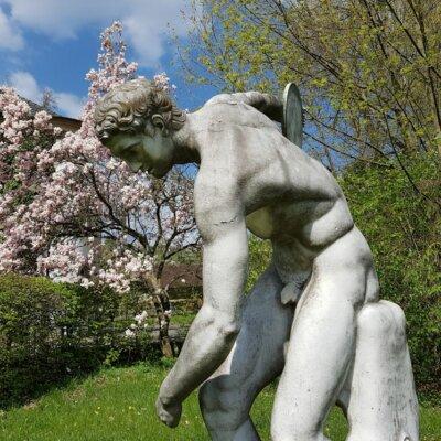 Antike Skulpturen auch für den Englischen Gartenstil