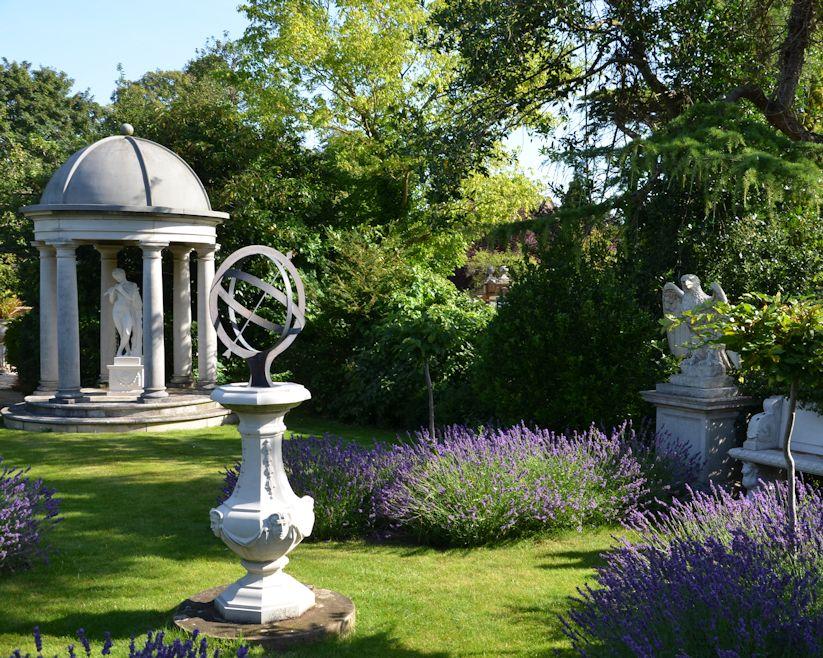 Gartendekoration weltweit ideen aus rostigem metall holz for Gartenschmuck aus metall