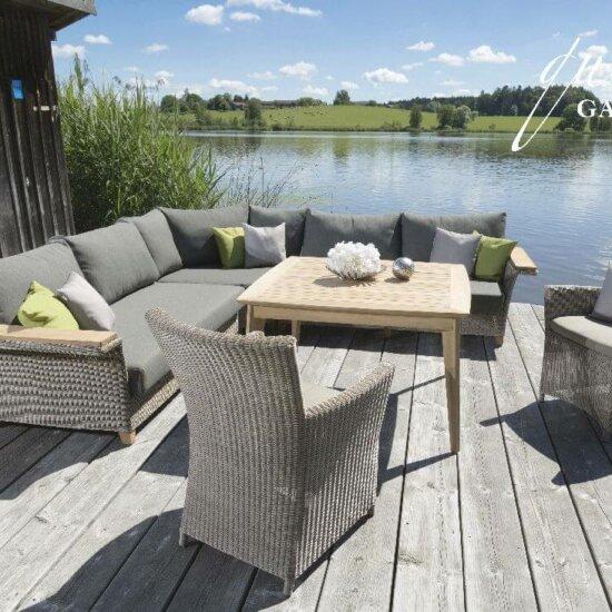 Loungemöbel auf der Terrasse | © queen's garden