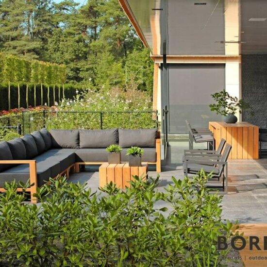 Loungemöbel auf der Terrasse © BOREK
