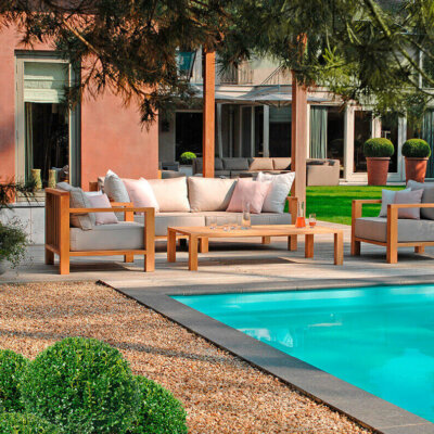 Terrasse mit Holzdielen und Kiesbereich © Fotolia.com