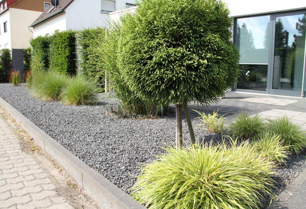 Vorgarten gestalten & anlegen - 20 moderne & pflegeleichte ...