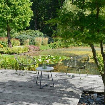 Naturbelassener Gartenteich mit Holzterrasse © Borek Gartenmöbel