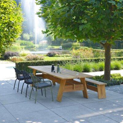 Großer Gartenteich mit Springbrunnen © Borek Gartenmöbel