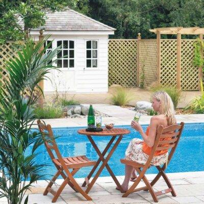 Kleine Sitzgruppe am Pool