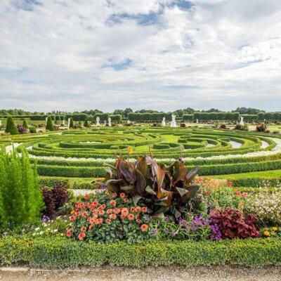 Großer, angelegter und gepflegter Garten © © Fotolia.com -parallel_dream