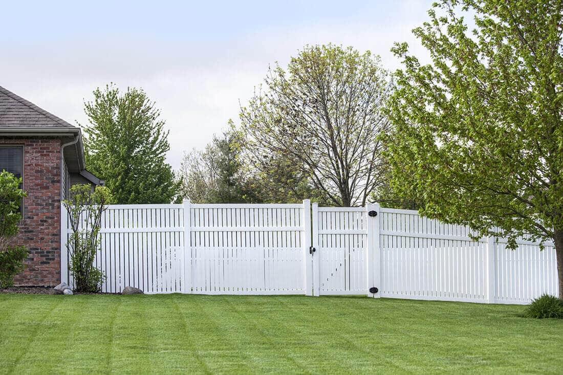 Sichtschutz Im Garten Aus Holz Kunststoff Pflanzen 25 Ideen