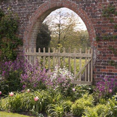 Steinmauer im englischen Stil als Sichtschutz