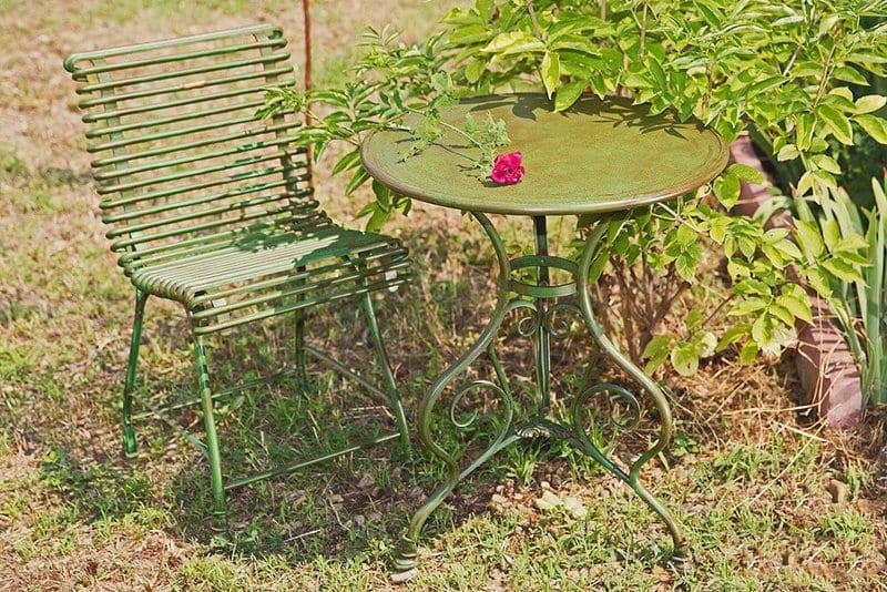 Exklusive Gartenmöbel im Landhausstil
