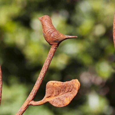 Zweig und Blätter aus Rost