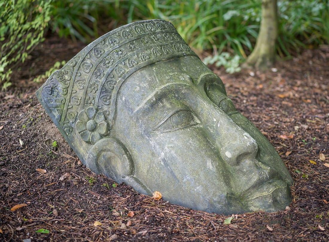 Buddha-Figur aus Stein