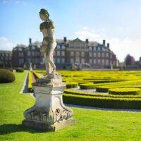 Antike Figur in Schlossgarten