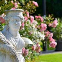 Klassische Gartenskulptur