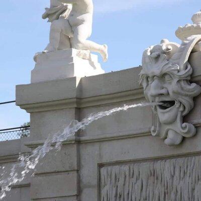 Gargoyle-Wasserspeier aus weißem Naturstein