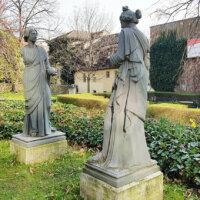 Steinskulpturen als Gartendeko