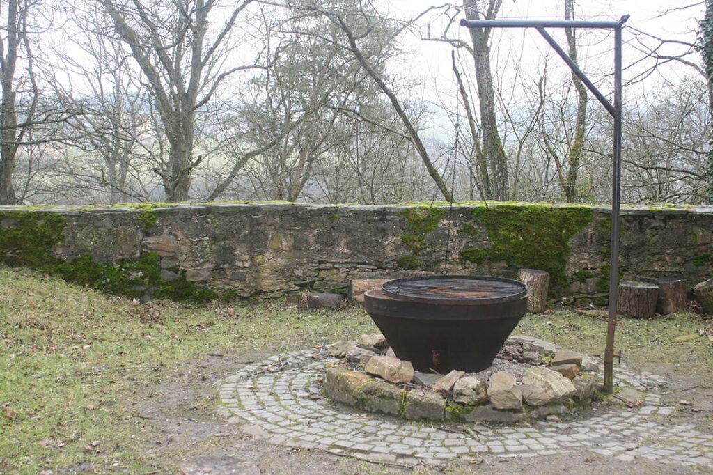 Feuerstelle im Garten selber bauen - 20 moderne Ideen & Bilder