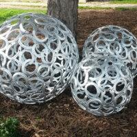 Metallkugeln aus Hufeisen