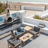 Griechische Terrasse am Meer