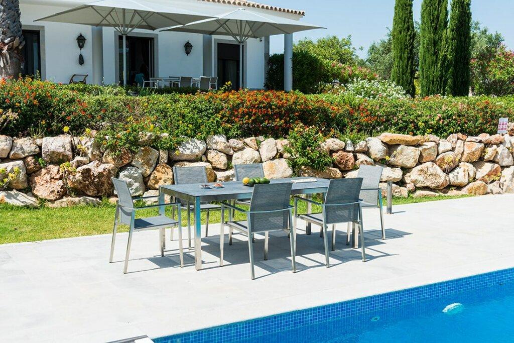 Sichtschutz im mediterran gestalteten Garten