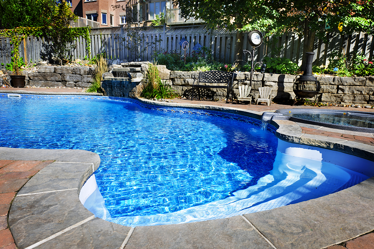 Pool im Garten günstig selber bauen   20 Ideen mit Anleitung & Kosten