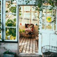 Altes Gartenhaus mit besonderem Charme