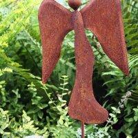 Engelsfigur als Rostdeko für den Garten