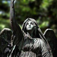 Gartenfigur Engel in Lebensgröße